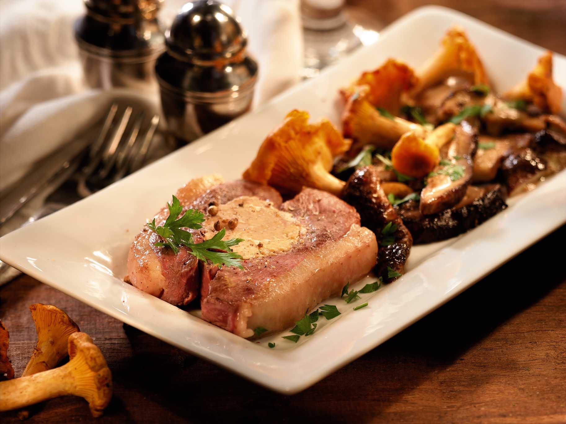 Recette de tournedos de magret de canard fourrés au foie gras Lafitte aux Girolles et Cèpes