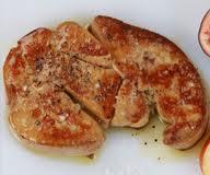 Foie gras de canard : escalopes aux crônes et aux coings